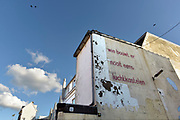 Nederland, the netherlands, nijmegen, 6-9-2018Muurschildering, tekst op een blinde muuur in het centrum van de stad . Wie bouwt er nooit eens luchtkastelen .Foto: Flip Franssen