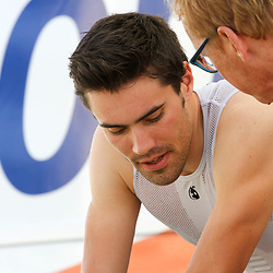 24-09-2014: Wielrennen: WK tijdrijden Elite mannen: Ponferrada<br /> WIELRENNEN PONFERRADA SPAIN TIME TRAIL MEN<br /> Tom Dumoulin in gesprek met verzorger Dries Bos