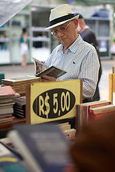 A Feira do Livro de Porto Alegre é uma das mais antigas do País. A primeira edição, começou no dia 16 de novembro de 1955,  na Praça da Alfândega, no centro da Capital. Seu idealizador foi o jornalista Say Marques, diretor-secretário do Diário de Notícias. Em 2012 atingiu a 58ª edição tendo como patrono, Luiz Coronel. FOTO: Jefferson Bernardes/ Agência Preview