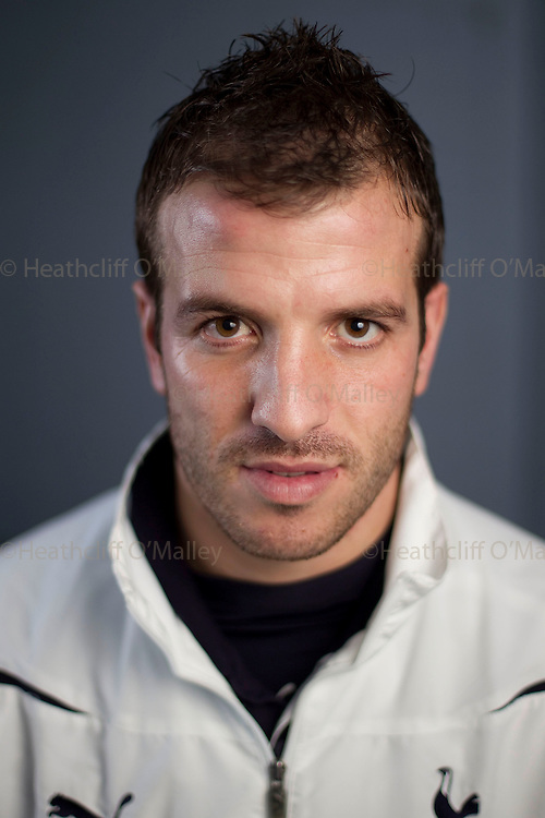 Fea0028638 . Daily Telegraph..Dutch footballer Rafael Van der Vaart who currently plays for  Tottenham Hotspur , photographed at Chace Community School during a sports initiative held at the school with help from Spurs...London 12 January 2011..