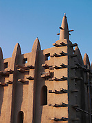 The Great Mosque of Djenné, the worlds largest mud built structure and UNESCO heritage site, Djenné, Mali