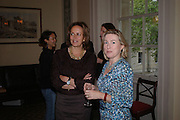 Caroline Michel and Georgina Capel. Book party to celebrate the publication of ' How the King of Scots Won the Throne of England in 1603 by Leanda de Lisle. St. Wilfred's Hall. Brompton Oratory. London. 9 May 2005. ONE TIME USE ONLY - DO NOT ARCHIVE  © Copyright Photograph by Dafydd Jones 66 Stockwell Park Rd. London SW9 0DA Tel 020 7733 0108 www.dafjones.com