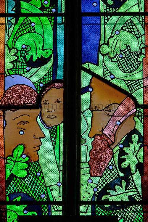 France, Nièvre (58), Nevers, cathédrale Saint-Cyr-et-Sainte-Julitte, les vitraux contemporains, sur le chemin de Saint-jacques de Compostelle, val de Loire // France, Nièvre (58), Nevers, Saint-Cyr-et-Sainte-Julitte cathedral on the way to Saint-Jacques de Compostelle, contemporary stained glass, Loire valley