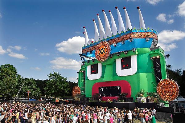 Nederland, Nijmegen, 30-5-2009Emporium dancefestival. Het thema was Inca en Maya. Discotheek, club the Matrixx organiseerde het openluchtfestijn met 20.000 bezoekers.Foto: Flip Franssen/Hollandse Hoogte