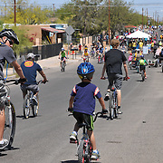 Northbound riders during the spring 2014 edition of Cyclovia Tucson.
