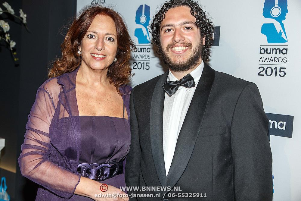 NLD/Hilversum/20150217 - Inloop Buma Awards 2015, Paula Patricio en zoon Miro Temming