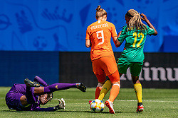 15-06-2019 FRA: Netherlands - Cameroon, Valenciennes<br /> FIFA Women's World Cup France group E match between Netherlands and Cameroon at Stade du Hainaut / Annette Ngo Ndom #1 of Cameroon, Vivianne Miedema #9 of the Netherlands, Claudine Meffometou #12 of Cameroon