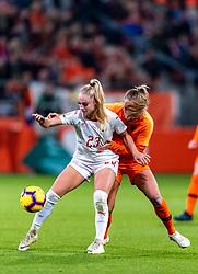 09-11-2018 NED: UEFA WC play-off final Netherlands - Switzerland, Utrecht<br /> European qualifying for the 2019 FIFA Women's World Cup - Kiki van Es #5 of Netherlands, Alisha Lehmann #23 of Switzerland