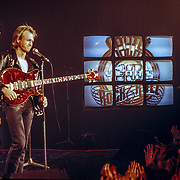 NLD/Bussum/19890117 - Optreden Level 42 oa Mark King