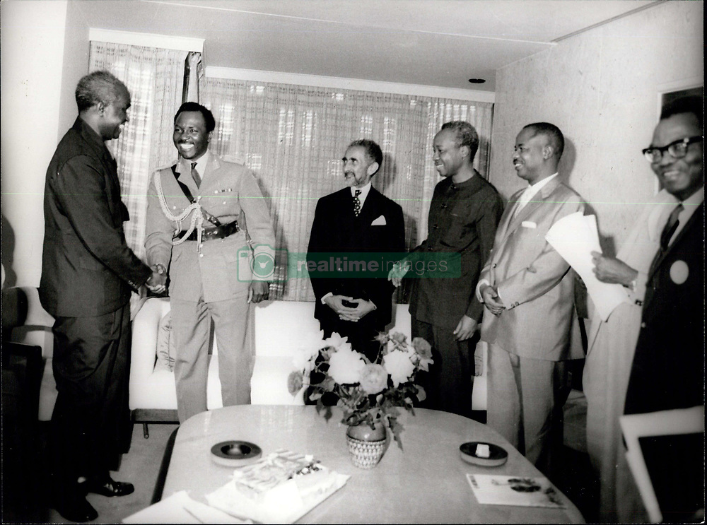 1969 - ''Credits: Camerapix'' Addis Ababa. Ethiopia. Reconciliation Between Nigeria, Kenya Zambia And Tanzania In Addis Ababa. This Historical Picture Shows Presidents Of Tanzania Julius Nverere, President Of Zambia Kenneth Kaunda And President Of Nigeria General Gowen After Their Reconcilation. Also President Were Emperior Of Ethiopia And President Of Cameroun Ahmadou Ahidjo. Tanzania And Zambia Were The K Two First Countries To Recongin Recognized Biafra.haile selassie  (Credit Image: © Keystone Pictures USA/ZUMAPRESS.com)