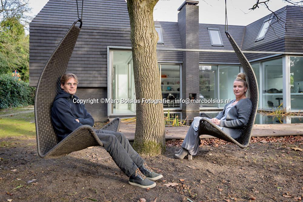 Nederland,  Haaren, rubriek, heilig huisje, architectenduo Christel en Rob Otten v an Eck in hun zelf ontworpen huisje.
