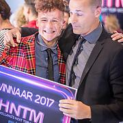 NLD/Amsterdam/20171030 - Holland Next Top Model 2017 finale, winnaar Montell van Leijen en jurylid Nigel Barker