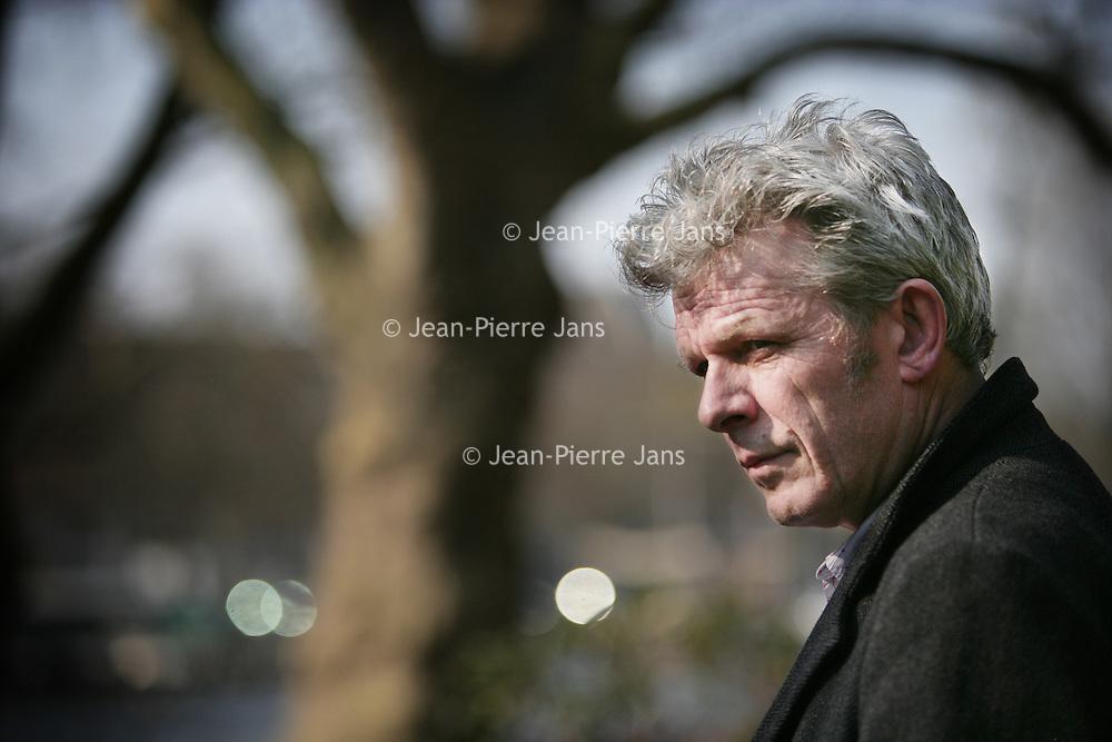 Nederland.Amsterdam.28 maart 2007...Alex van Warmerdam (Haarlem, 14 augustus 1952) is een Nederlands acteur, regisseur, schrijver, schilder en vormgever..Alex van Warmerdam is a Dutch actor, director, writer, painter and designer.
