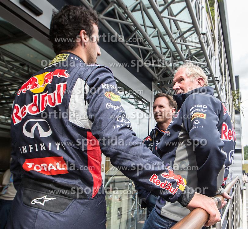 20.06.2015, Red Bull Ring, Spielberg, AUT, FIA, Formel 1, Grosser Preis von Österreich, Qualifying, im Bild Daniel Ricciardo, (AUS, Infiniti Red Bull Racing), Motorsportchef Christian Horner, (GRB, Infiniti Red Bull Racing), Motorsport Consultant Dr. Helmut Marko, (AUT, Red Bull Racing Team) // during the Qualifying of the Austrian Formula One Grand Prix at the Red Bull Ring in Spielberg, Austria, 2015/06/20, EXPA Pictures © 2015, PhotoCredit: EXPA/ Dominik Angerer
