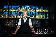 Warszawa, Polska.30.07.2015 r. Hela - barmanka z klubu Syreni  Śpiew.<br /> Fot. Adam Tuchliński Dla Newsweek Polska