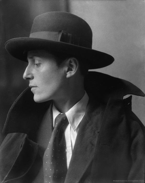 Gluck, painter, 1924