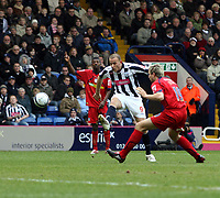 Photo: Mark Stephenson/Richard Lane Photography. <br /> West Bromwich Albion v Colchester United. Coca-Cola Championship. 29/03/2008. <br /> West Brom's Roman Bednar tries a shot on goal