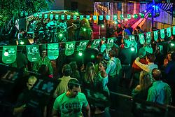 Amigos comemoram o St Patrick's Day 2017, no Espaço Maestro, na zona sul de Porto Alegre. Foto: Jefferson Bernardes/ Agência Preview