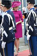 Bezoek van Zijne Majesteit Koning Filip en Hare Majesteit Koningin Matilda van België aan Nederland.Aankomst en ontvangst op Paleis Noordeinde.<br /> <br /> Visit of His Majesty King Filip and Her Majesty Queen Matilda of Belgium to Netherlands. Arrival and reception at Noordeinde Palace.<br /> <br /> op de foto / On the photo:  Belgische koning Filip en koningin Matilda / Belgian King Filip and Queen Matilda