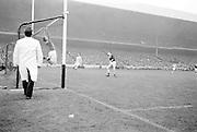 All Ireland Senior Football Championship Final, Dublin v Galway, 22.09.1963, 09.23.1963, 22nd September 1963, Dublin 1-9 Galway 0-10,..Galway Goalie jumps - ball goes over bar for a point,.