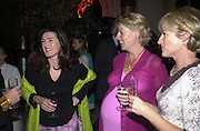Julia Wheeler, Sally Turnbull and Jerry Boyd. Christopher's party. Thistle hotel. 101 Buckingham Palace Rd. London. . 28 September 2000. © Copyright Photograph by Dafydd Jones 66 Stockwell Park Rd. London SW9 0DA Tel 020 7733 0108 www.dafjones.com
