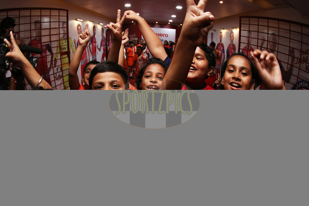 Kids enjoying inside tunnel during match 25 of the Hero Indian Super League 2018 ( ISL ) between Jamshedpur FC and FC Goa held at JRD Tata Sports Complex, Jamshedpur, India on the 1st November  2018<br /> <br /> Photo by Saikat Das /SPORTZPICS for ISL