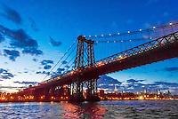 Williamsburg Bridge, New York, New York USA.