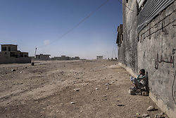November 20, 2016 - Mosul, Nineveh Governorate, Iraq - Young boy at the liberated part of Mosul. (Credit Image: © Bertalan Feher via ZUMA Wire)