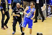 DESCRIZIONE : Milano Coppa Italia Final Eight 2014 Finale Montepaschi Siena Banco di Sardegna Sassari<br /> GIOCATORE : Travis Diener<br /> CATEGORIA : post game esultanza mani<br /> SQUADRA : Banco di Sardegna Sassari<br /> EVENTO : Beko Coppa Italia Final Eight 2014 <br /> GARA : Montepaschi Siena Banco di Sardegna Sassari<br /> DATA : 09/02/2014 <br /> SPORT : Pallacanestro <br /> AUTORE : Agenzia Ciamillo-Castoria/N.Dalla Mura<br /> GALLERIA : Lega Basket Final Eight Coppa Italia 2014 <br /> FOTONOTIZIA : Milano Coppa Italia Final Eight 2014 Finale Montepaschi Siena Banco di Sardegna Sassari