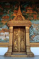 Wat That Noi Door and Mural