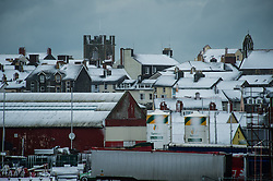 Aberystwyth, Wales, UK. 18th January 2013. Some snowy weather but Aberystwyth on the west coast of Wales escapes the worst of the bad weather, as Red Alert warnings are posted for extreme conditions in south-east of the country. ©keith morris
