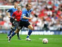 Photo: Tom Dulat.<br /> England v Estonia. UEFA European Championships Qualifying. 13/10/2007.<br /> Joel Lindpere of Estonia with the ball.