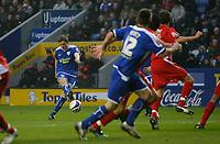 Photo: Steve Bond/Richard Lane Photography. Leicester City v Leyton Orient. Coca Cola League One. 10/01/2009. Jack Hobbs fires in a free kick