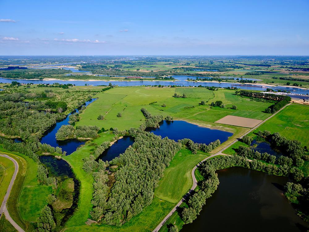 """Nederland, Gelderland, Gendt; 27-05-2020. Gendtse Waard met zicht op Steenfabriek """"De Zandberg"""" en rivier De Waal.<br /> Gendtse Waard with a view of the brickworks """"De Zandberg"""" and the river De Waal.<br /> <br /> luchtfoto (toeslag op standaard tarieven);<br /> aerial photo (additional fee required)<br /> copyright © 2020 foto/photo Siebe Swart"""