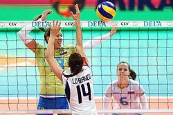 27-09-2015 NED: Volleyball European Championship Slovenie - Italie, Apeldoorn<br /> Italie wint met 3-0 van Slovenie / Sasa Plannisec, Eleonora Lo Bianco<br /> Photo by Ronald Hoogendoorn / Sportida