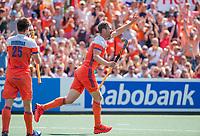AMSTELVEEN - Mirco Pruijser (Ned) heeft gescoord  tijdens de wedstrijd om de 3e plaats ,   Nederland-Groot Brittannie (5-3),  bij  de Pro League Grand Final hockeywedstrijd heren... COPYRIGHT KOEN SUYK