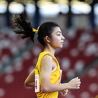 Kylie Tan (#274) of Cedar Girls' Secondary in action during the B Division girls' 1500m final. (Photo © Lim Yong Teck/Red Sports)
