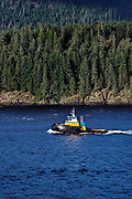 Tug boat on Discovery Passage, Inside Passage, BC, Canada