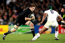 © Andrew Fosker / Seconds Left Images 2011 - Captains' battle - New Zealand's Richie McCaw (Captain) drives towards France's Thierry Dusautoir (Captain) France v New Zealand - Rugby World Cup 2011 - Final - Eden Park - Auckland - New Zealand - 23/10/2011 -  All rights reserved..
