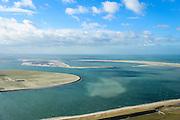 Nederland, Zuid-Holland, Rotterdam, 23-10-2013; Tweede Maasvlakte (MV2) met links Prinses Amaliahaven en rechts de Prinsen Alexiahaven. Aanleg nieuwe containerterminal van Rotterdam World Gateway (RWG) met diepzee kadewal voor ultragrote schepen. Voorgrond de Prinses Arianahaven.<br /> New Maasvlakte (MV2), new harbour area Port of Rotterdam, artificial land.<br /> luchtfoto (toeslag op standard tarieven);<br /> aerial photo (additional fee required);<br /> copyright foto/photo Siebe Swart
