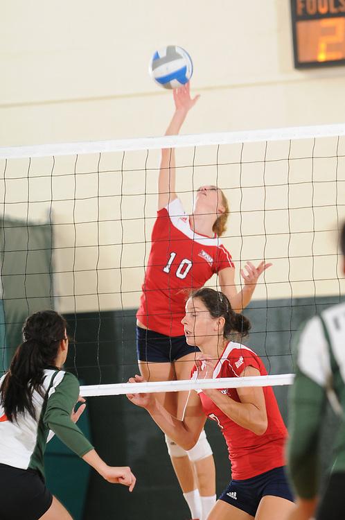 2010 FAU Volleyball @ Miami