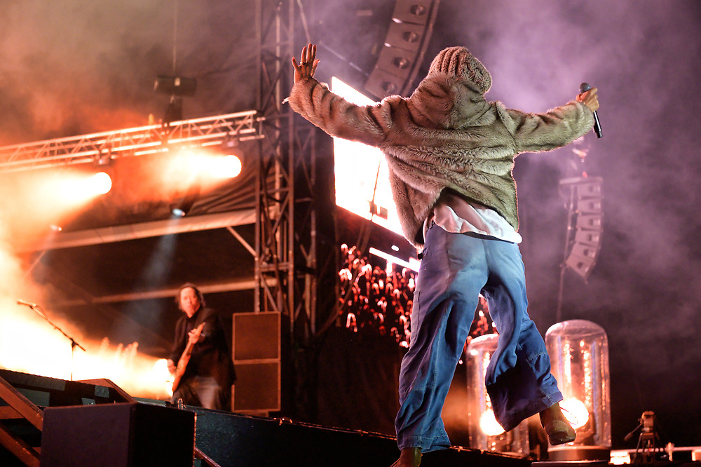 Festival pleasers James steal the show at Playground Festival 2021 and the crowd refuse to let them leave