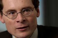 10 JAN 2005, BERLIN/GERMANY:<br /> Roger Koeppel, Chefredakteur der Tageszeitung Die Welt, waehrend einem Interview, in seinem Buero, Axel-Springer-Haus<br /> IMAGE: 20050110-02-052<br /> KEYWORDS: Roger Köppel