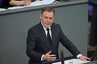 17 FEB 2016, BERLIN/GERMANY:<br /> Thomas Oppermann, SPD Fraktionsvorsitzender, haelt eine Rede, waehrend der Debatte zur Regierunsgerklaerung der Bundeskanzlerin zum Europaeischen Rat, Plenum, Deutscher Bundestag<br /> IMAGE: 20160217-03-049<br /> KEYWORDS: Debatte