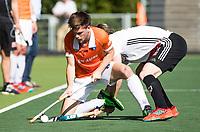 AMSTELVEEN  - Hockey -  1e wedstrijd halve finale Play Offs dames.  Amsterdam-Bloemendaal (5-5), Thierry Brinkman (Bldaal)    COPYRIGHT KOEN SUYK