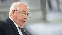 12.02.2016, Olympiaworld, Innsbruck, AUT, Euro Ice Hockey Challenge, Slowenien vs Frankreich, im Bild Headcoach Dave Henderson (FRA) // Headcoach Dave Henderson of France during the Euro Icehockey Challenge Match between Slovenia and France at the Olympiaworld in Innsbruck, Austria on 2016/02/12. EXPA Pictures © 2016, PhotoCredit: EXPA/ Jakob Gruber