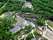 Nederland, Noord-Brabant, Gemeente Loon op Zand, 14-05-2020; Kaatsheuvel, attractiepark de Efteling. De attractie is gesloten als gevolg van de richtlijnen van het RIVM, het parkeerterrein is leeg. Overzicht met de Joris en de Draak, houten racer-achtbaan, De Vliegende Hollander - waterachtbaan (met kasteel) en de Python - achtbaan met diverse 'loops'.<br /> Kaatsheuvel, the Efteling theme park. The attraction is closed due to the guidelines of the RIVM, the parking lot is empty.<br /> luchtfoto (toeslag op standard tarieven);<br /> aerial photo (additional fee required)<br /> copyright © 2020 foto/photo Siebe Swart