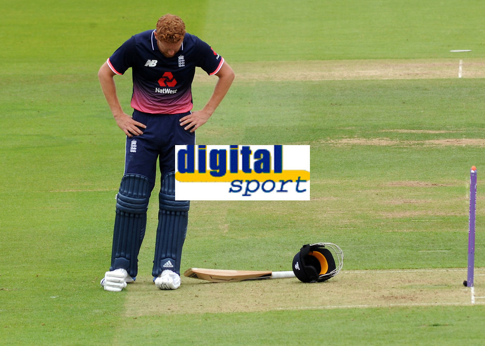 Cricket - 2017 Royal London One day Series<br /> England v South Africa, at Lords.<br /> <br /> Jonny Bairstow of England takes a breather<br /> <br /> COLORSPORT/ANDREW COWIE