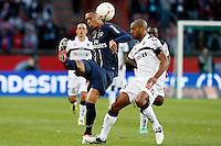 FOOTBALL - FRENCH CHAMPIONSHIP 2012/2013 - L1 - PARIS SAINT GERMAIN VS SOCHAUX - 29/09/2012 - GUILLAUME HOARAU (PARIS SAINT-GERMAIN), CEDRIC KANTE (SOCHAUX)