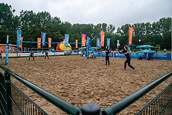 Madelein Meppelink, Sanne Keizer, Ilona Lievaart, Serena van der Made in action. From July 1, competition in the Netherlands may be played again for the first time since the start of the corona pandemic. Nevobo and Sportworx, the organizer of the DELA Eredivisie Beach volleyball, are taking this opportunity with both hands. At sunrise, Wednesday exactly at 5.24 a.m., the first whistle will sound for the DELA Eredivisie opening tournament in Zaandam on 1 July 2020 in Zaandam.
